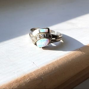 Jewelry - Opal sterling ring